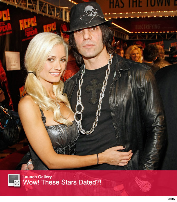 did holly madison dating criss angel 24 july 2018 216 pics of holly madison and criss angel recent pics view the latest holly madison and criss angel pictures large photo gallery featuring holly madison and criss angel.
