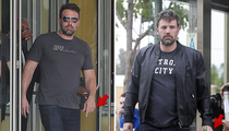 Ben Affleck -- Wedding Ring Off ... Then Wedding Ring Back On (Photos)