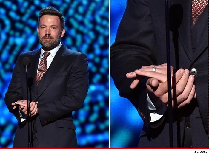 0715-ben-affleck-wedding-ring-espys-GETTY-01