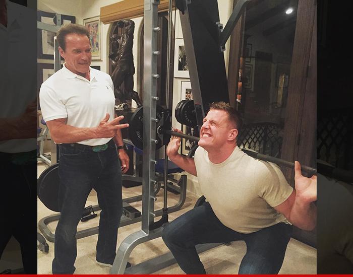 Arnold Schwarzenegger -- Best Buddies Lifting Sesh ... | 700 x 550 jpeg 149kB