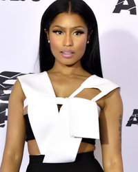 Nicki Minaj and Taylor Swift Feud on Twitter After 'Anaconda' Gets Snubbed by VMAs