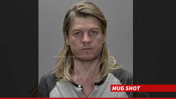 Cops: Rocker arrested in DWI: Puddle Of Mudd Singer DWI