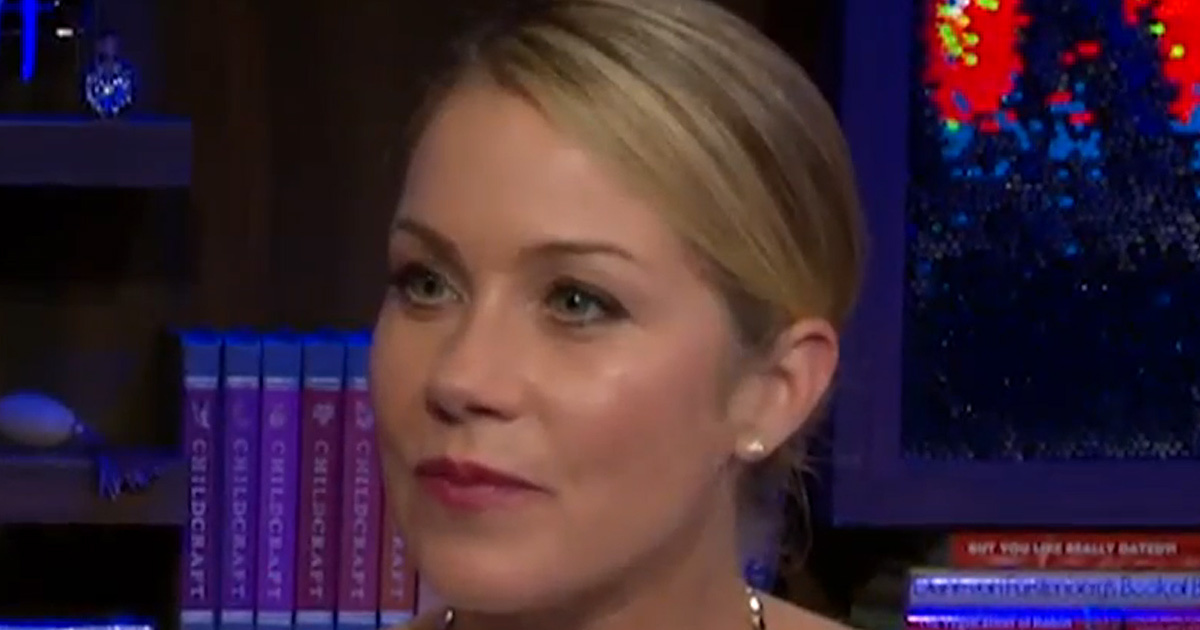 Who is christina applegate dating now-in-Wakani