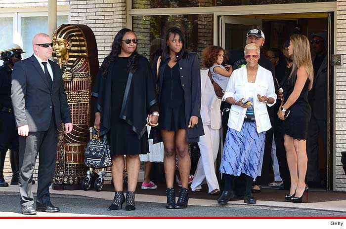 0803-SUB-bobbi-kristina-burial-GETTY-02