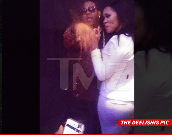 0811_The-Deelishis-Pic_TMZ_WM