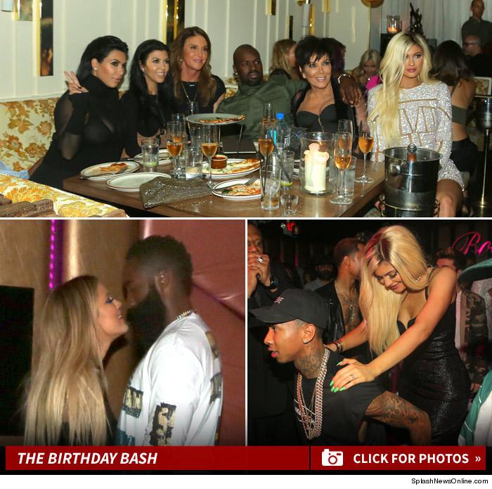 Ultah ke 18 Tahun Kylie Jenner Pamer Payudara Di Instagram