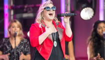 Kelly Clarkson -- Yes, That's a Bun in My Oven