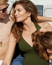 Cindy Crawford, 49, Stuns With Lookalike Kids in Vogue