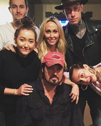Miley Cyrus Posts Rare Family Photo During Dad's Birthday Bash