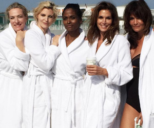 '90s Supermodel Reunion! Cindy Crawford Stuns Alongside Eva Herzigova, Nadja Auermann & More