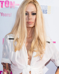 Jenna Jameson Resurfaces on Red Carpet After Blasting Critics of Recent Weig