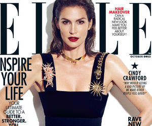 "Cindy Crawford Comments on Viral ""Unretouched"" Pic: ""It Was Stolen & Malicious"""