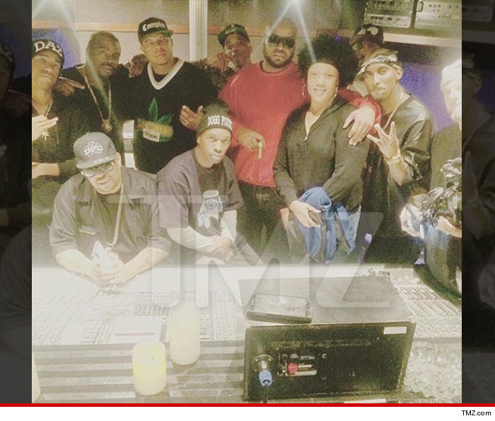 0907-straight-outta-compton-2-MAIN-TMZ-01