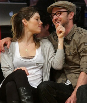 Jessica Biel & Justin Timberlake -- The Proud Parents