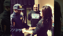 Floyd Mayweather & Jen Welter -- Hand-in-Hand Before Fight (PHOTO)