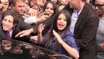 Selena Gomez -- Draws Insane Crowd in Paris ... Good for You, Girl (VIDEO)