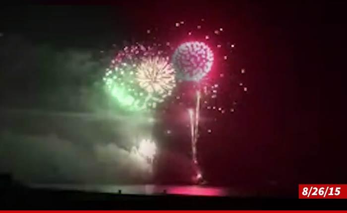 1001-kardashians-fireworks-01