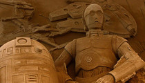 Incredible Star Wars Sand Sculpture -- Tuskan Raiders Approved!