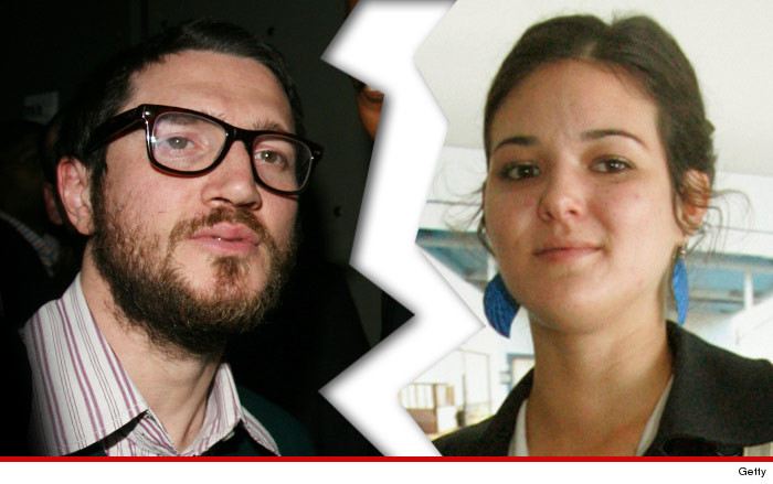 1009-john-frusciante-wife-nicole-turley-getty-01