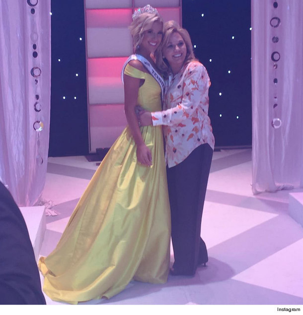 Chrisley knows best quot star savannah chrisley crowned miss tennessee