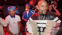 Floyd Mayweather -- STACKS ON STACKS ... Drops $50k at MIA Strip Club