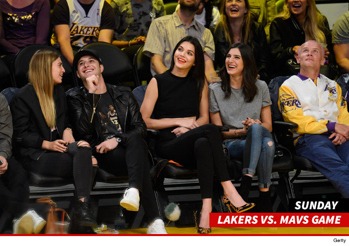 1102_Kendall-Jenner_lakers_game_getty