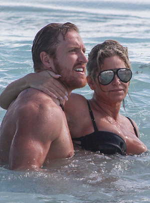 Kim Zolciak -- Breaststroke In Mexico