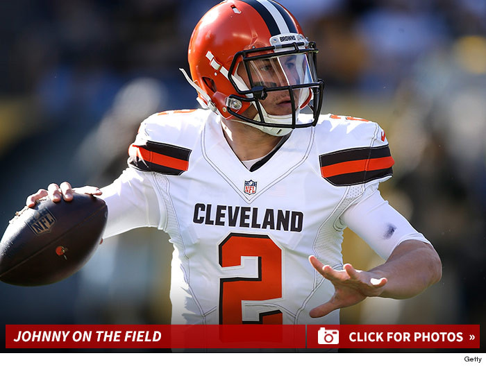 1124_johnny_manziel_playing_football_footer