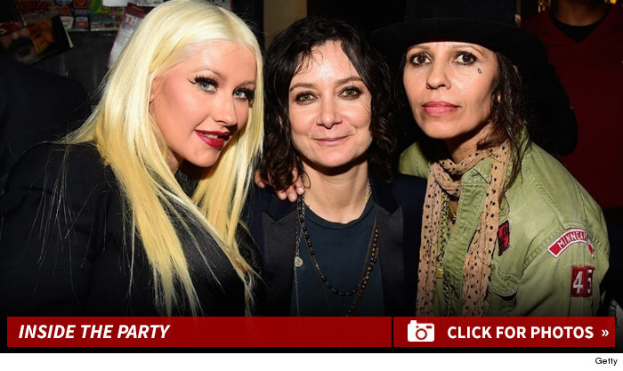 1006_linda_perry_party_footer