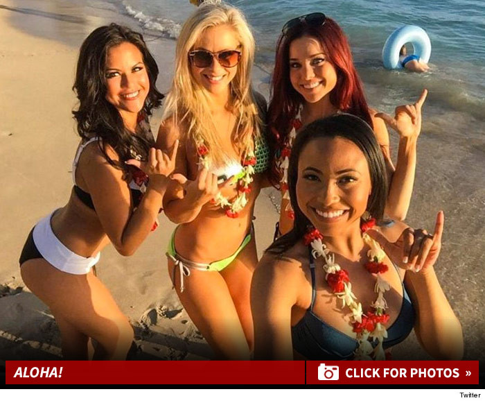 0129_nfl_cheerleaders_hawaii_launch