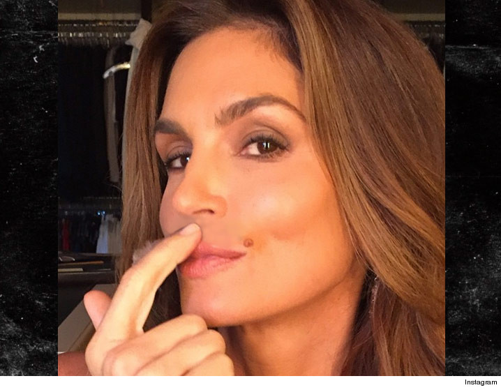 0201-cindy-crawford-playful-INSTAGRAM-01