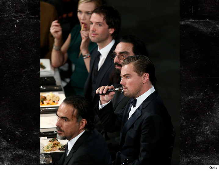 0201-leonardo-dicaprio-vape-SAG-Awards-GETTY-01