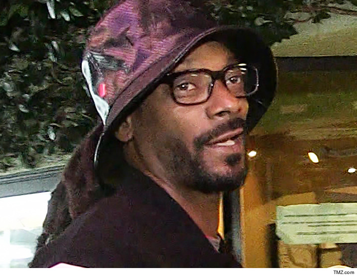 0205-snoop-dogg-tmz-01