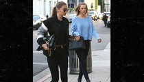 Taylor Swift & Gigi Hadid -- Girl's Day Out (PHOTO)