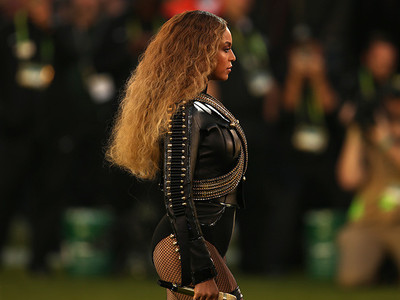 Beyonce RUINS the Super Bowl 50 Halftime Show: Misogynistic, Racist, and Outright RUDE