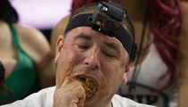 23 Disgusting Photos from Wing Eating Competition