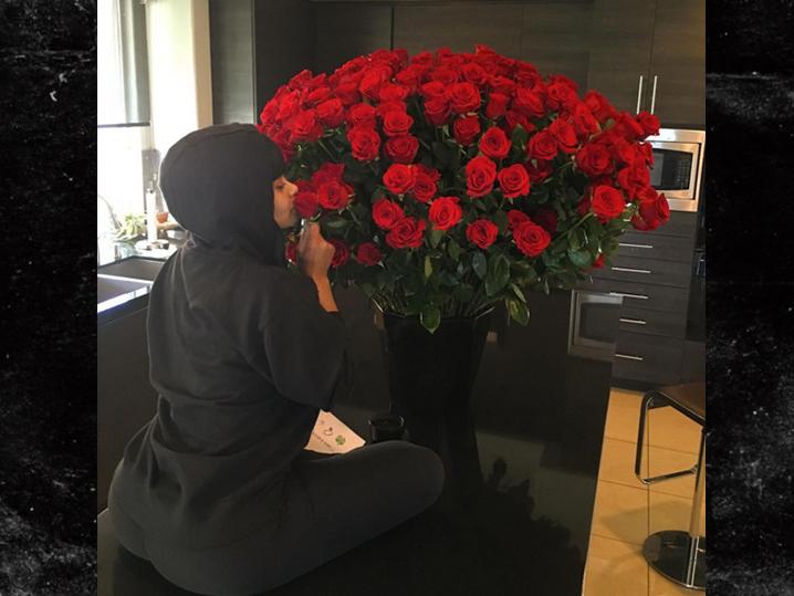 0214-blac-chyna-valentines-day-from-rob-Kardashian-roses-INSTAGRAM-01