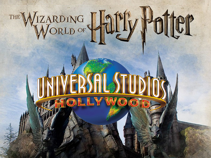 Il parco a tema, The Wizarding World of Harry Potter, aperto dalla NBCUniversal a Orlando e a Hollywood è uno dei maggiori e più redditizi spin-off del brand inventato dalla Rowling