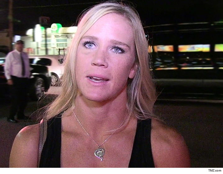 0309-holly-holm-tmz-01