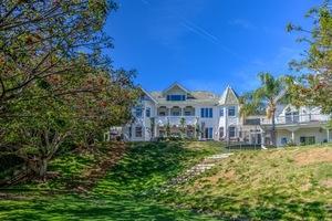 Chris Hemsworth's Malibu Home -- Sold!