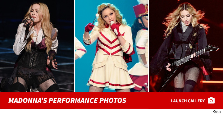 0317_madonna_performance_footer