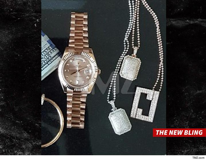 0318-ray-j-jewelry-TMZ-02