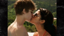 Justin Bieber -- Missin' Selena Again (Photo)