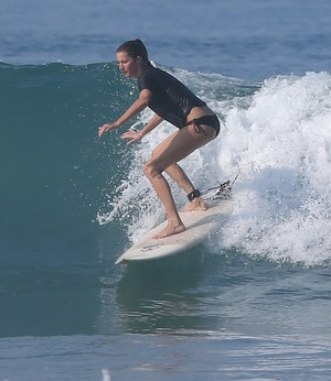 Tom Brady & Gisele -- Hot, Sexy, Surfing ... Couples Sesh In Costa Rica