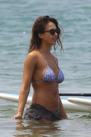 Jessica Alba -- Even Better In The Water!!!