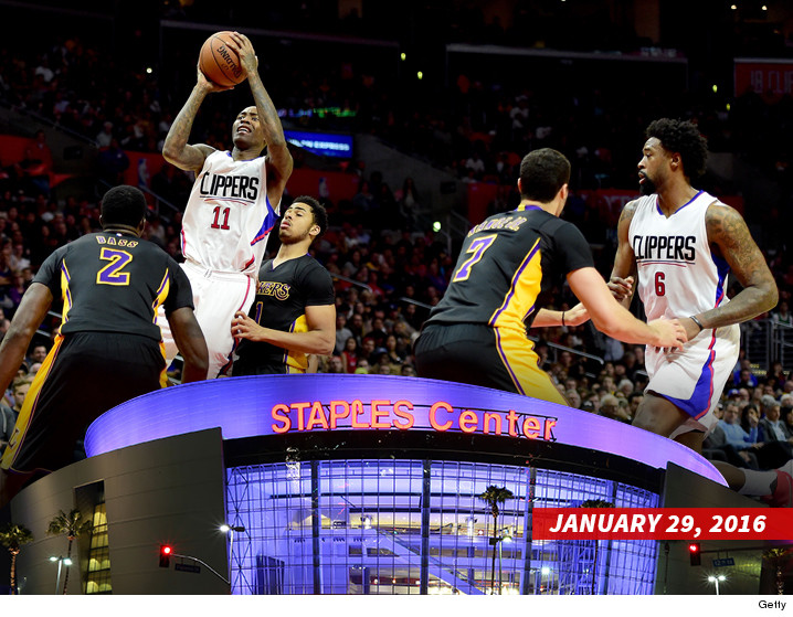 032516-gameshot-staples-getty-04