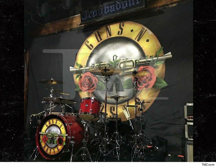 0401-guns-n-roses-troubador-TMZ-01