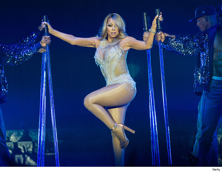 0407-mariah-carey-legs-Vegas-Show-GETTY-01