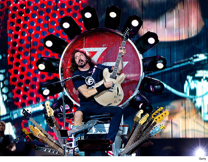 0409-gnr-dave-grohl-getty-01