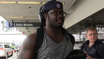 Eddie Lacy -- FLEXIN' IN L.A. ... No Sleeves? No Problem. (VIDEO)